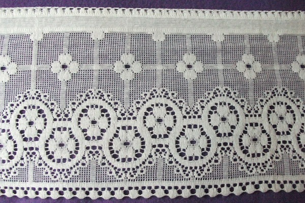 Nottingham Lace Cotton Cafe Curtain CN1a.